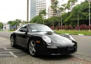 Porsche_911_Carrera_2010_preto_01