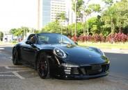 Porsche_911_Targa4_GTS_preto_2016_01