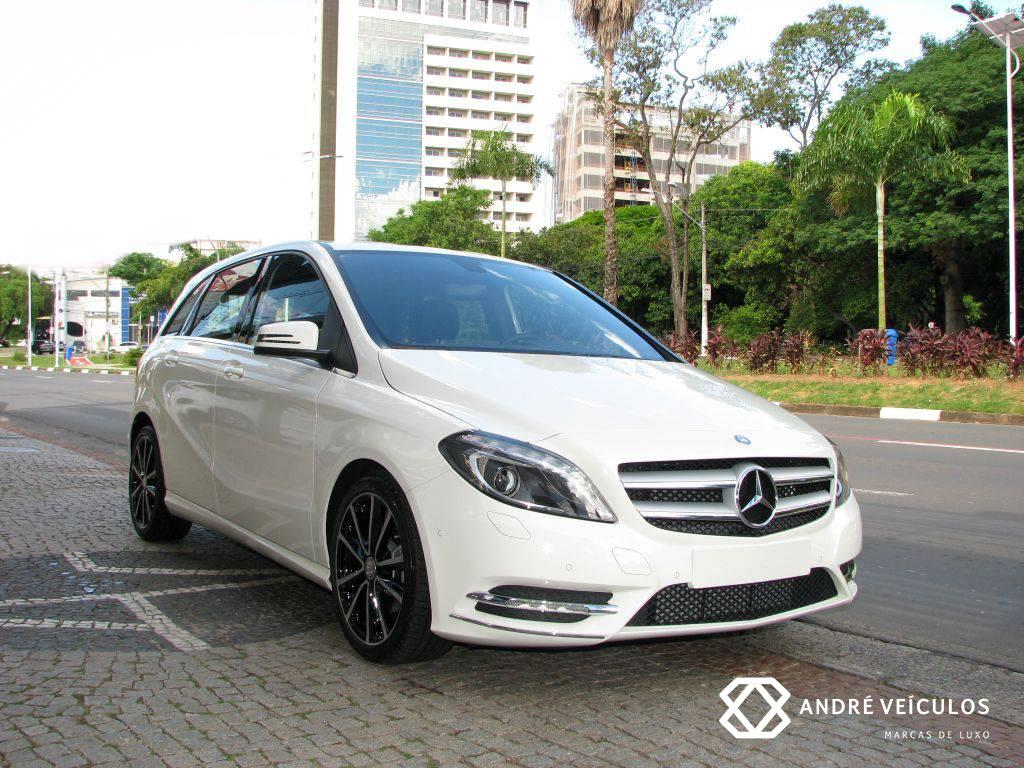 MercedesBenz_B200_CGI_Sport_Turbo_2015_branco_01