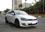 VW_Golf_TSI_Highiline_2014_branco_TOP_01