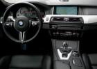 BMW_M5_2015_prata_16
