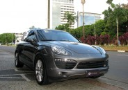Porsche_Cayenne_S_2012_Cinza_blindado_01