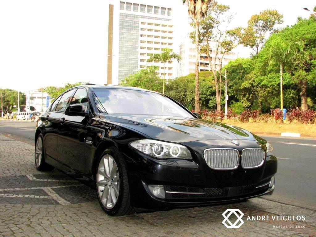 BMW_550i_2011_preto_01