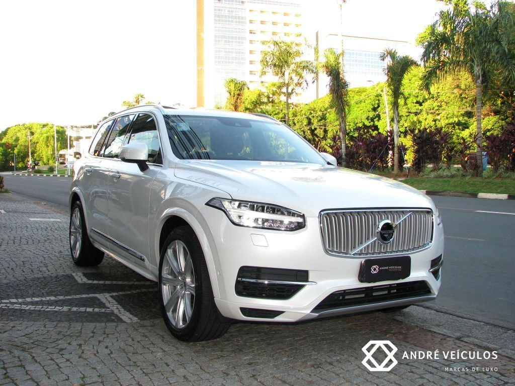 Volvo_XC90_Hybrid_Inscription_2017_branco_01