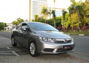 Honda_Civic_LXS_2014_cinza_01