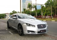 Jaguar_XF_PremiumLuxury_2013_prata_01