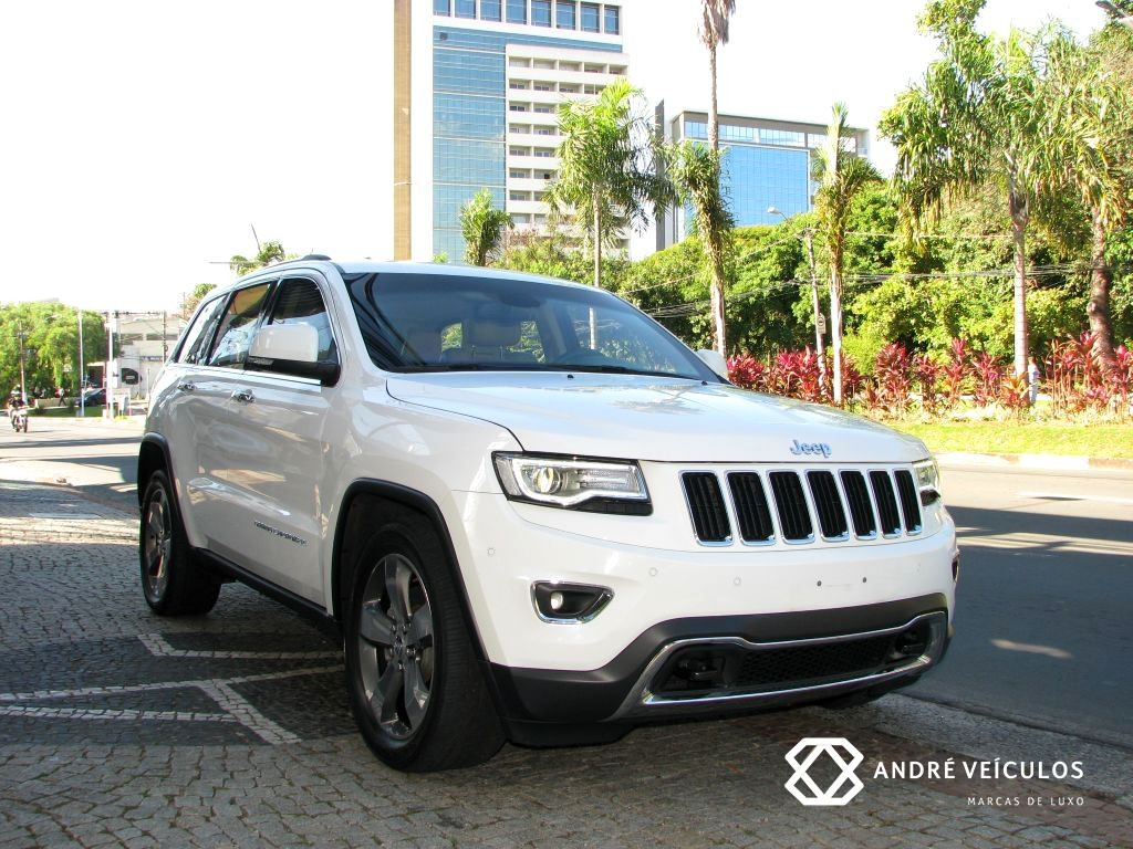 Jeep_GrandCherokee_limited_Diesel_2014_branco_blindado_01