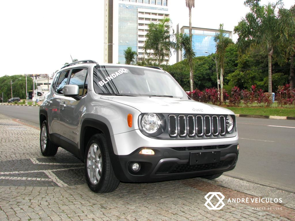Jeep_Renegade_longitude_2016_prata_blindado_01
