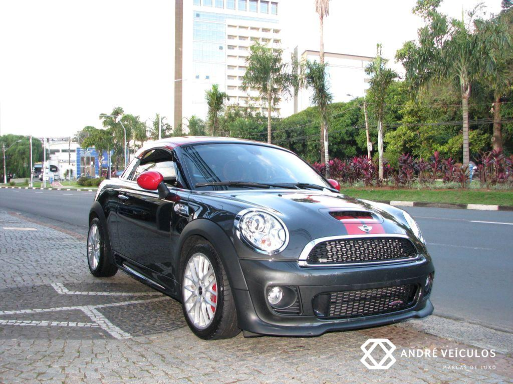 Mini_Cooper_JCW_Coupe_cinza_01