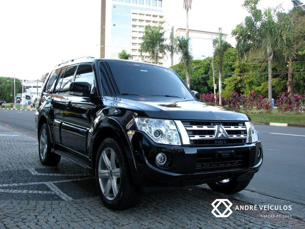 Mitsubishi_pajero_full_HPE_Diesel_2013_preto_01