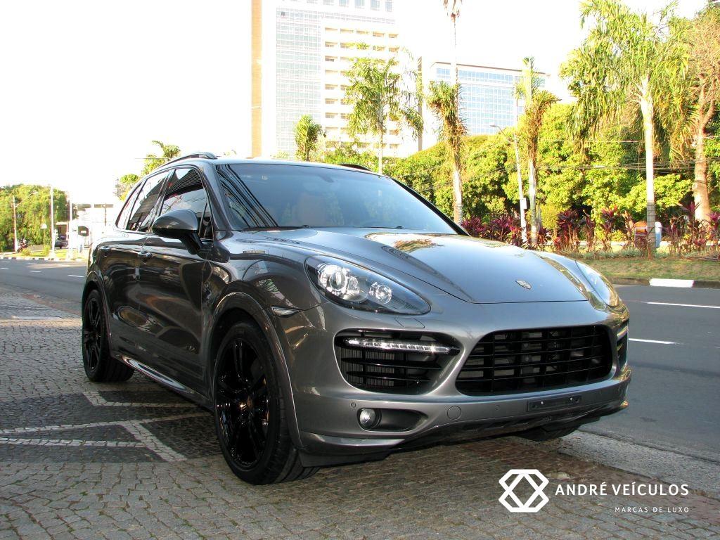 Porsche_Cayenne_Turbo_S_2014_cinza_01