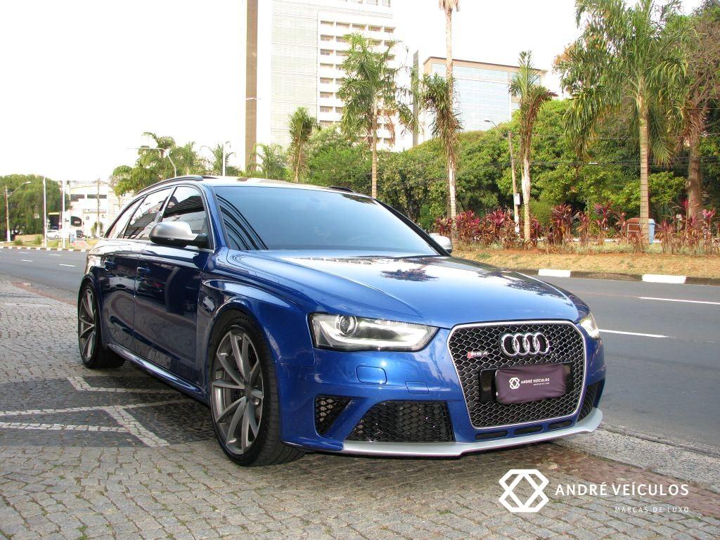 Audi_RS4_Avant_2015_azul_01