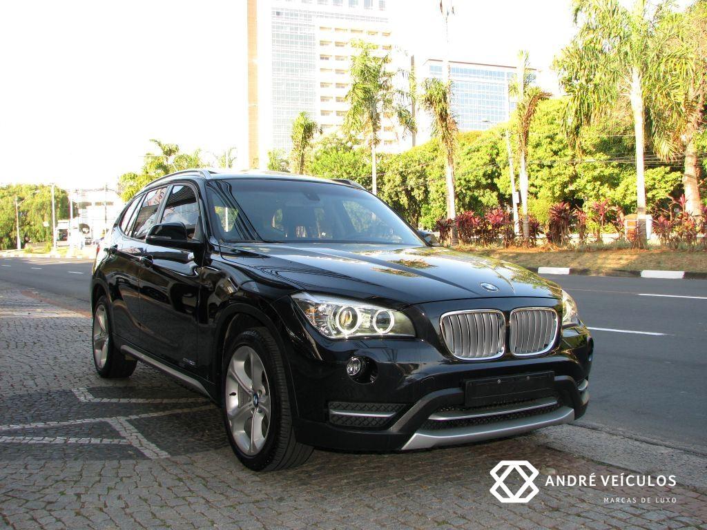 BMW_X1_20i_GP_2014_preto_01