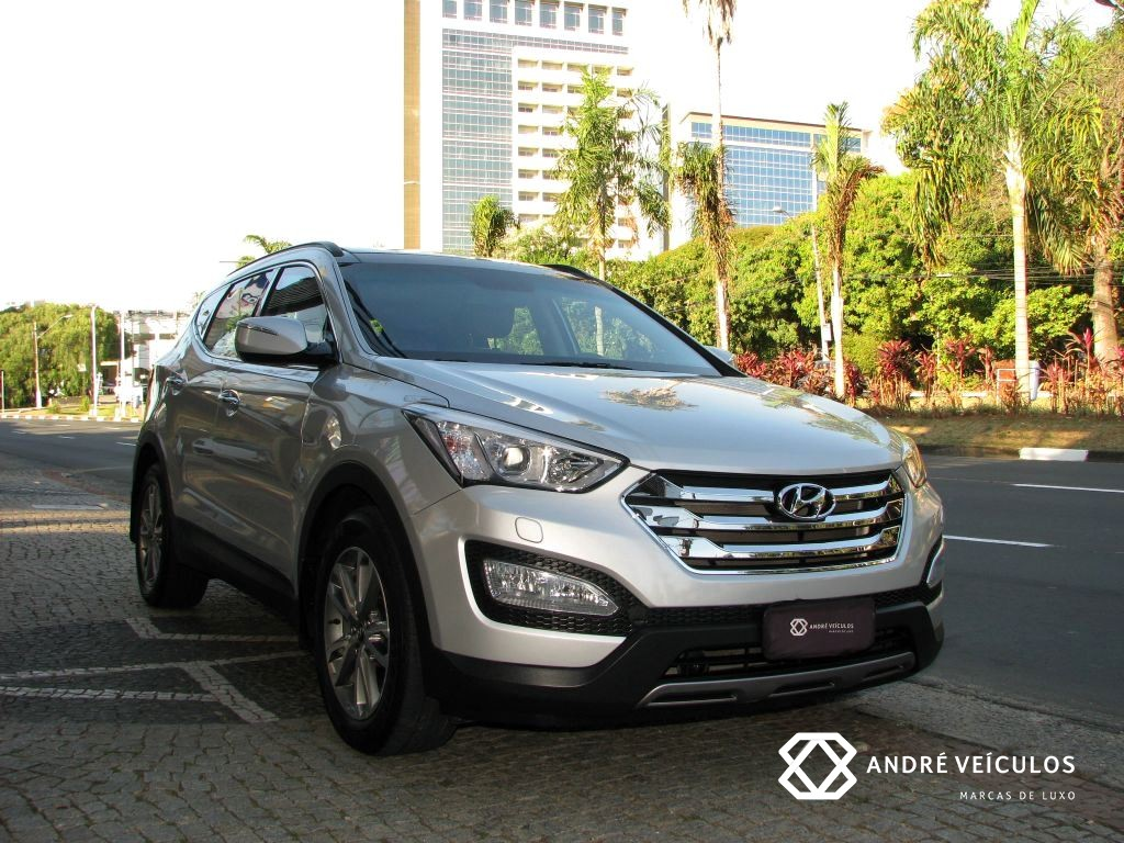 Hyundai_SantaFe_2014_blindada_7lugares_prata_01