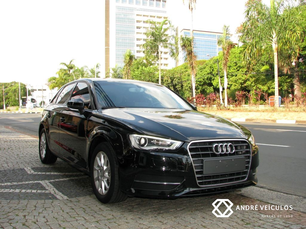 Audi_A3_Sportback_2016_preto_01