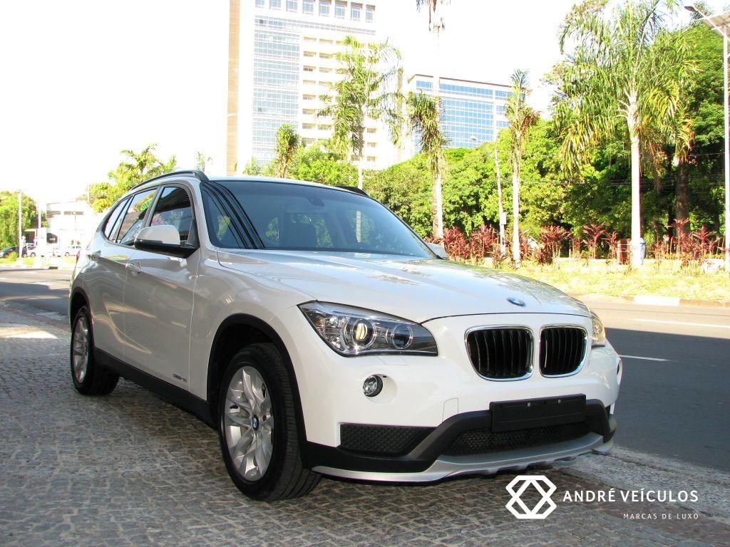 BMW_X1_20i_Flex_2015_branco_01