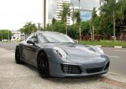 Porsche_911_Carrera_4S_2017_cinza_01