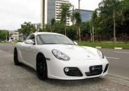 Porsche_Cayman_S_2011_branco_InteriorVermelho_01